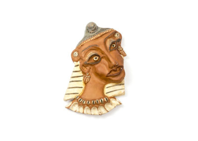 Referencia: F-02 - Titulo: Egipcia - Año: 1970 - Dimensiones: 30 X 17 cms. - Técnica: Bañado terracota y pintado
