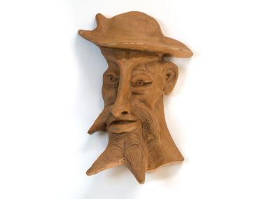 Referencia: F-09 - Titulo: Quijote - Año: 1970 - Dimensiones: 38 X 22 cms. - Técnica: Bañado terracota y pintado